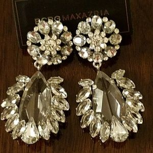 BCBG MAXAZRIA FLORAL GLASS STONE EARRINGS